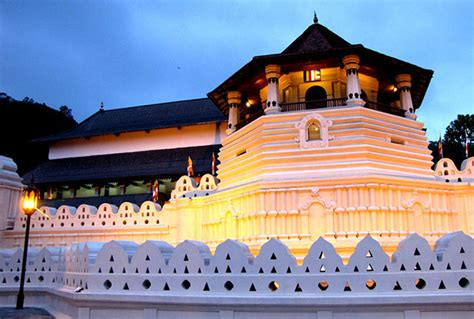 Kandy   Tourists Attractions near Jetwing Vil Uyana
