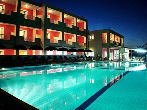 DADOS HOTEL - Updated 2020 Prices, Reviews, and Photos