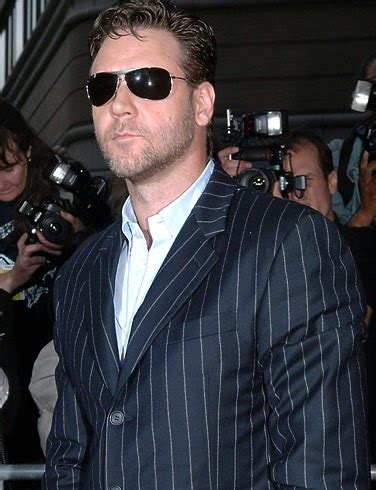 """LQFacts: RUSSELL CROWE """"THE ROBIN HOOD"""" & """"THE GLADIATOR"""