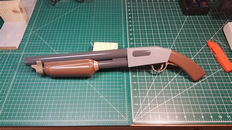 I 3D printed and painted the stock shotgun! : tf2