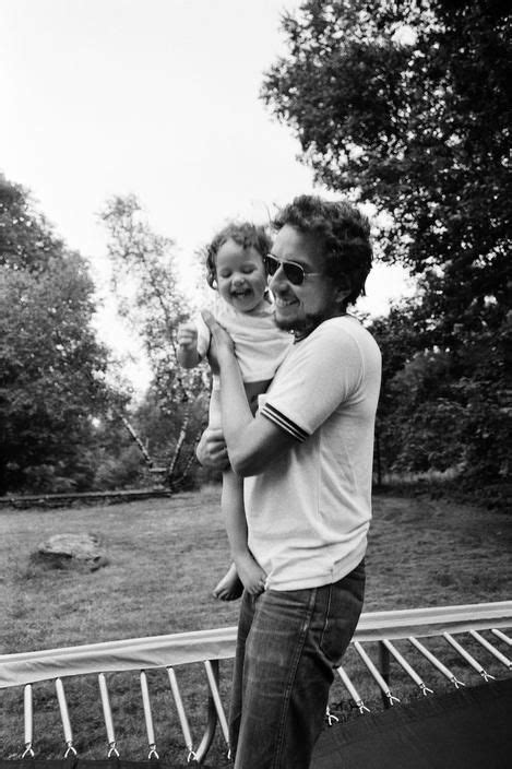 Bob Dylan playing Hide & Seek With His Children 1969