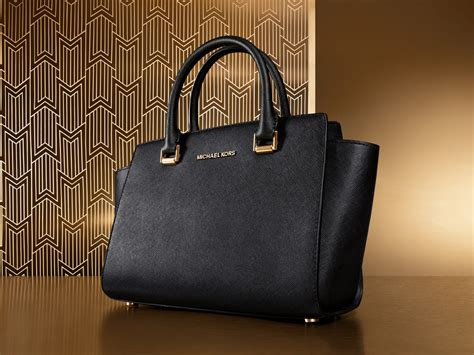 Michael Kors - Bags, Clothes, Watches, Shoes | The Outlet