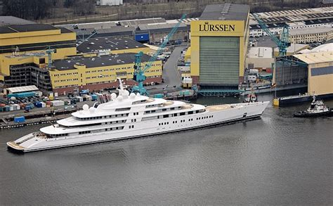 Roman Abramovich loses 'world's biggest yacht owner' title