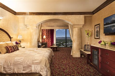 Tuscany Sienna Suite | Peppermill Resort Hotel, Reno